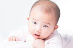 Entzückendes neugeborenes asiatisches Baby Lizenzfreies Stockbild