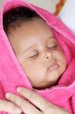 Entzückendes schläfriges Mädchen lizenzfreies stockfoto
