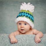 Entzückendes Portrait von zwei Monate alten Schätzchen Stockfotos