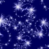 Entziehen Sie Hintergrundmuster der silbernen Sterne auf dunkelblauem Hintergrund Stockfoto