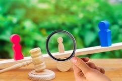 Entzug von elterlichen Rechten Konzept des Schutzes eines Kindes L stockbild