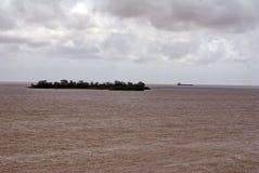 Envíe de la costa de Colonia, Uruguay imagen de archivo