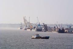 Envío comercial en Maputo Imagen de archivo libre de regalías