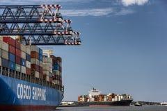 Envío de cargo que llega Haynes Dock, botánica portuaria, Australia fotos de archivo