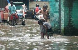 Envahissement par l'eau dans Kolkata Photo libre de droits