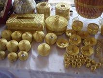 Envase de cobre amarillo foto de archivo