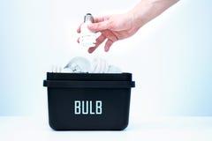 Envase para reciclar - bulbo Imagenes de archivo