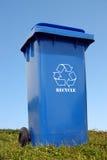 Envase plástico azul de la disposición Imagen de archivo