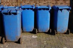 Envases de la basura Foto de archivo