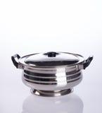 envases de los envases de comida o de comida del acero inoxidable en un backgrou Foto de archivo libre de regalías