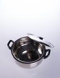 envases de los envases de comida o de comida del acero inoxidable en un backgrou Foto de archivo