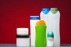 Envases de plástico en blanco Imagen de archivo