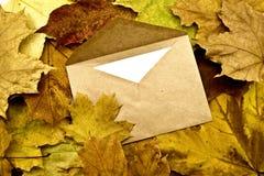 Envelop met de brief Stock Afbeeldingen