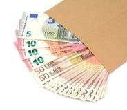 Envelop met geld op een witte achtergrond Royalty-vrije Stock Fotografie