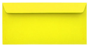 Envelope amarelo isolado Fotografia de Stock Royalty Free