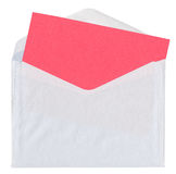 Envelope com o cartão vermelho vazio Fotos de Stock