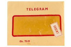 Envelope velho do telegrama com marca urgente foto de stock
