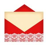 Enveloppe à marquer d'une pierre blanche avec le papier d'isolement sur le blanc Photo libre de droits