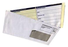 Enveloppe avec la forme vide de questionnaire, d'isolement, Photographie stock libre de droits