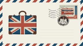 Enveloppe avec la valise en couleurs de drapeau britannique illustration de vecteur
