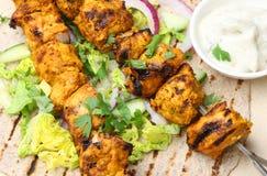 Enveloppe de chapatti de chiche-kebab de Tikka de poulet Photographie stock libre de droits
