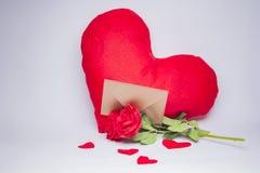 Enveloppe de lettre d'amour, concept de valentine Photos libres de droits