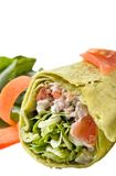 Enveloppe de poulet avec des légumes Image stock