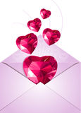 Enveloppe ouverte avec des coeurs d'amour Photo libre de droits
