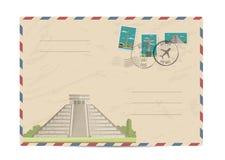 Enveloppe postale de vintage avec des timbres Photos libres de droits