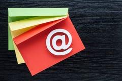 Enveloppes d'icône d'Internet de symbole d'email Photographie stock
