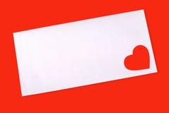 Enveloppez avec le coeur rouge Photos libres de droits