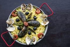 Envergure portugaise traditionnelle célèbre mélangée de Paella de fruits de mer et de riz Photos libres de droits