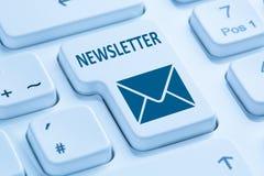 Enviando campaña de marketing del negocio de Internet del hoja informativa COM azul Foto de archivo libre de regalías