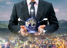 Environnement pour la protection de l'environnement urbaine du monde et technologie, éléments de cette image meublés par la NASA Photo libre de droits