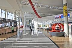 Environnement tout neuf d'achats à l'aéroport de Bruxelles Image libre de droits