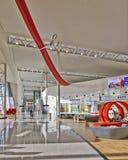 Environnement tout neuf d'achats à l'aéroport de Bruxelles Images stock