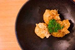 Envoltório da almôndega da galinha com camada friável Fotos de Stock