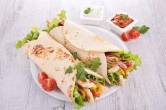 Envoltório das tortilhas fotografia de stock royalty free