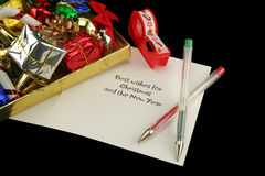 Envolvendo presentes de Natal Imagens de Stock Royalty Free