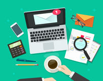 Envoyez l'illustration de vecteur de vente, email analysant ou inspectant la campagne de bulletin d'information Image stock