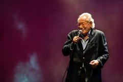 Enzo Jannacci canta en Rimini Fotos de archivo