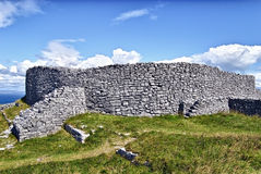 Eochla brun grisâtre, Inishmore, Irlande Photo libre de droits