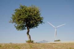 Eoliche de la turbina, en el sud Italia Foto de archivo