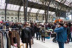 Eople at Second Hand Market on Estacion de France,  on March 14, 2013 in Barcelona, Spain Royalty Free Stock Photos