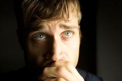 βαθιά νεβρική σκεπτόμενη ν&ep Στοκ φωτογραφία με δικαίωμα ελεύθερης χρήσης