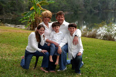 οικογένεια πέντε ευτυχ&ep Στοκ Εικόνες