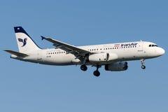 EP-IEB Iran Air, аэробус A320 - 200 Стоковое Изображение