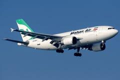 EP-MNX Mahan Air, Luchtbus A310-304 royalty-vrije stock afbeeldingen