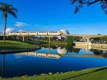 Epcot enskenig järnväg med reflexioner Fotografering för Bildbyråer