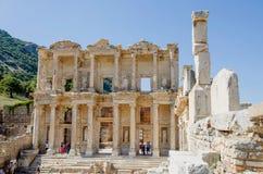 Ephesus, die Türkei - Oktober, 1, 2015: Fassade der alten Celsiusbibliothek lizenzfreie stockfotografie